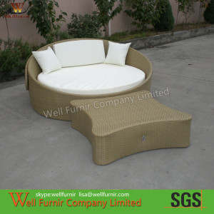 Brown Outdoor Wicker Daybed , pool side rattan lounge
