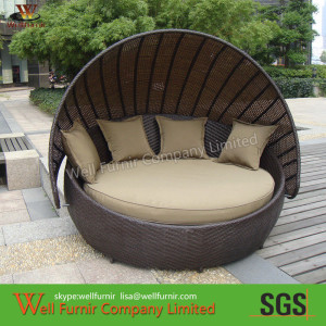 pl2016925-round_outdoor_rattan_daybed_with_washable_cushions_modern_outdoor_furniture