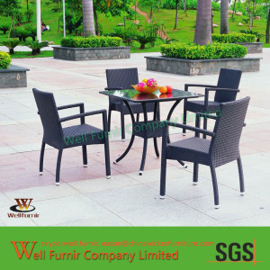 Well Furnir 5-piece Outdoor Black Wicker Dining Set with Square Table WF-0779